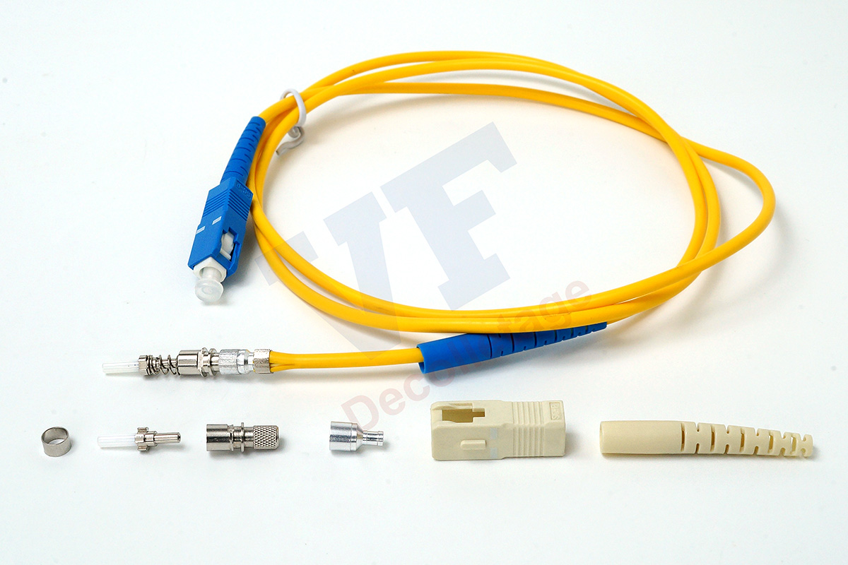 Retouch3-Connector-and-Fiber-mo-ta-logo